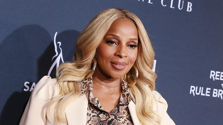 Mary J. Blige Strips Down & Poses Wearing Nothing But A Body Chain