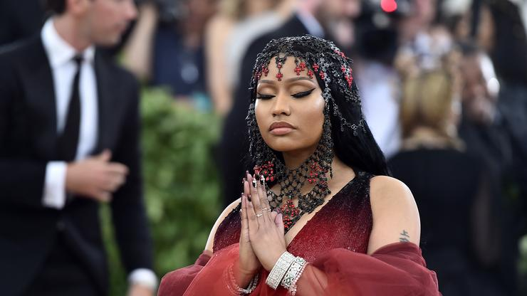 """Young Money Crowns Nicki Minaj The First & Only """"Queen Of Rap"""""""