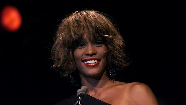 """Whitney Houston's """"The Bodyguard"""" Gets Remake, Fans Aren't Happy"""