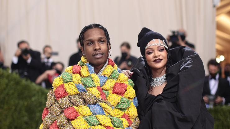"""Rihanna Doesn't Want A$AP Rocky's Help With Savage X Fenty Because She's """"A Control Freak"""""""