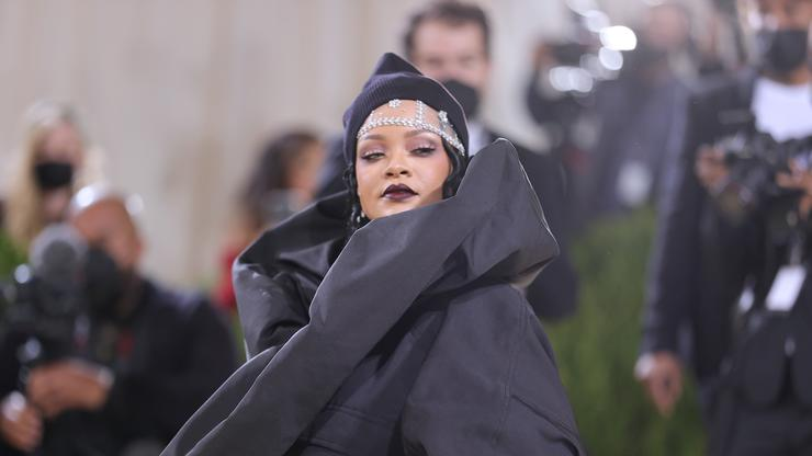 Rihanna Gives Her Honest Opinion On Being A Billionaire