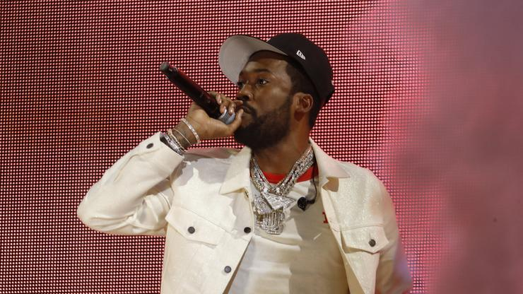 Meek Mill Gets The Crowd Jumping At Global Citizen