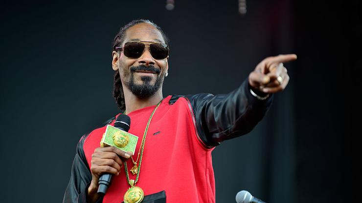 """Snoop Dogg Impresses In """"One-Second Rap Songs"""" Game With Jimmy Fallon"""