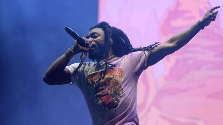 """Olu Absolutely Snaps In Wild Dreamville """"Down Bad"""" Performance"""