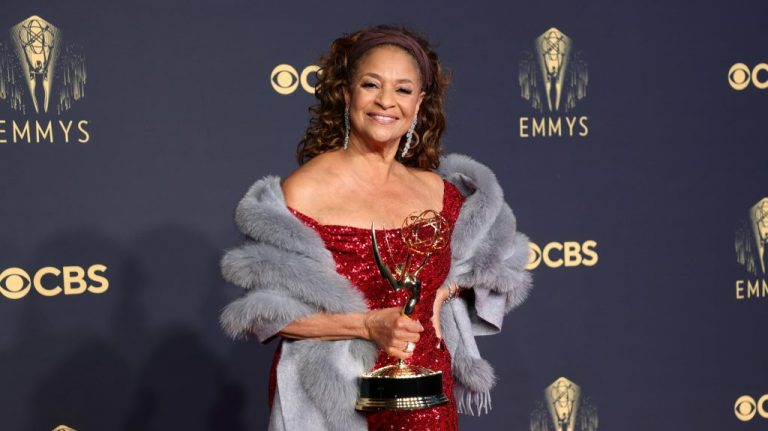 Debbie Allen Accepts The Governor's Award At The 2021 Emmy Awards – VIBE.com