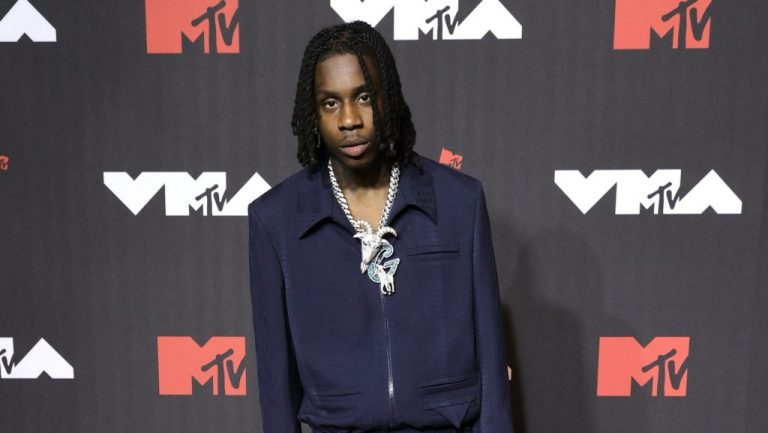 """Polo G Performs """"RAPSTAR"""" at 2021 MTV Video Music Awards – VIBE.com"""
