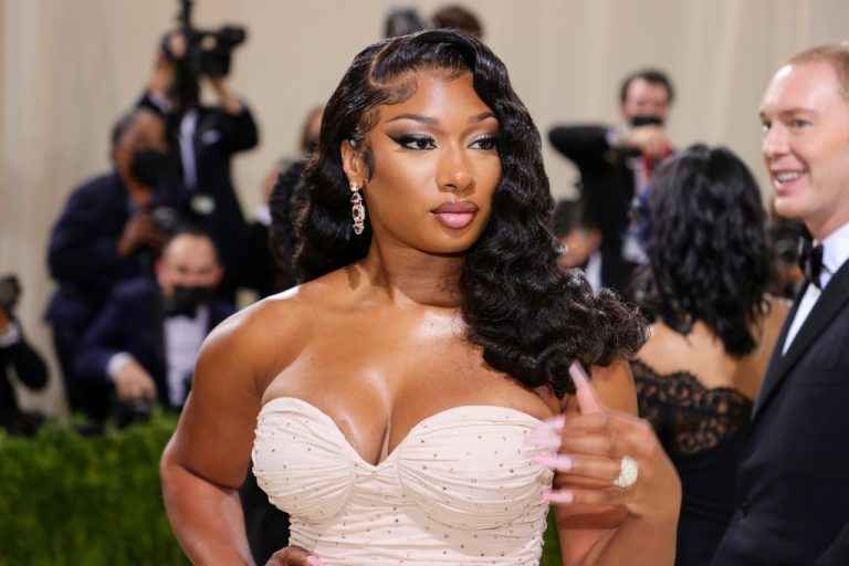 Megan Thee Stallion Reveals Fitness Partnership With Nike: Watch – VIBE.com