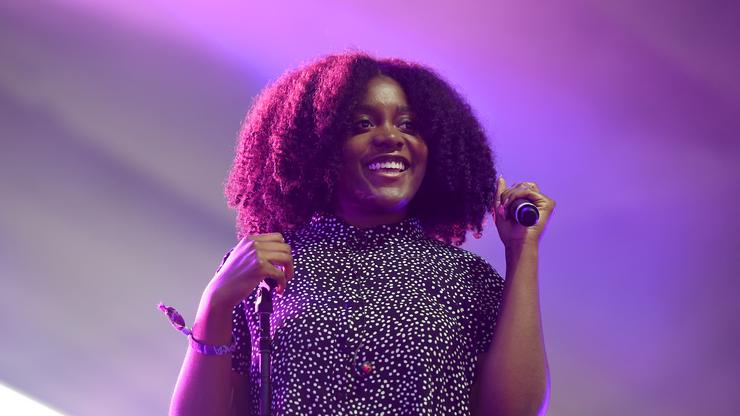 """Noname Opens """"Radical Hood Library"""" In Los Angeles"""