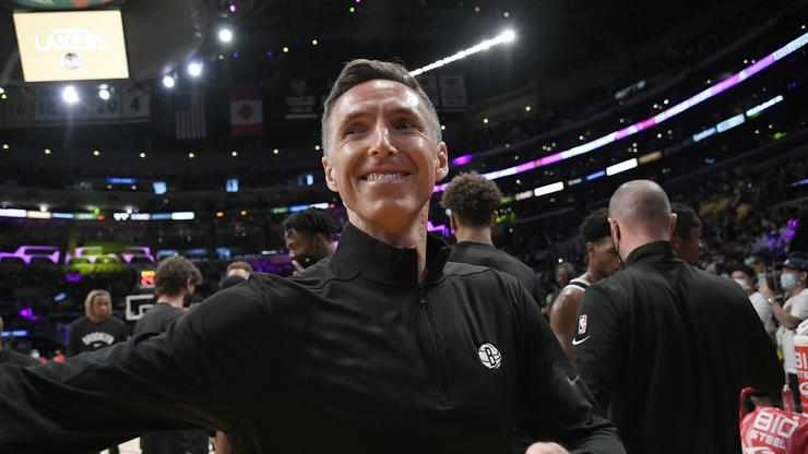 Steve Nash Reacts To Kyrie Irving Vaccine Drama