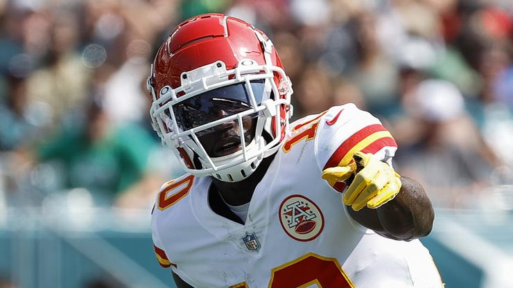 Tyreek Hill Helped Save Man's Life