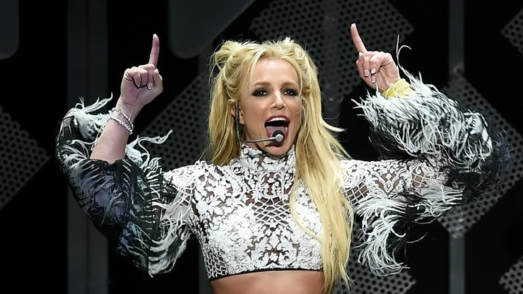 """Britney Spears Says She's Writing A Book About A Ghost """"Stuck In Limbo"""""""