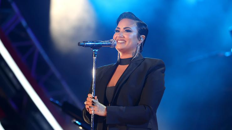 """Demi Lovato Explains Why The Word """"Aliens"""" Is Offensive To Extraterrestrials"""