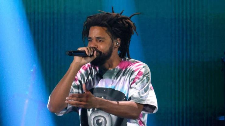 """J. Cole Shows His """"Mt. Rushmore Of Rap"""" During The Off-Season Tour"""