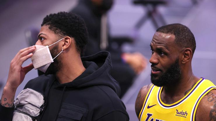 """LeBron James & Anthony Davis Aren't Fans Of The """"Squid Game"""" Finale"""