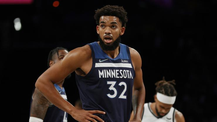 """Karl-Anthony Towns Reacts To Kyrie Irving Anti-Vaxx Stance: """"That's Your Choice"""""""