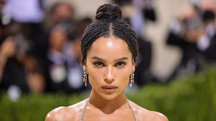 """Zoe Kravitz Shares Catwoman Photos From """"The Batman"""" Ahead Of Trailer's Release"""