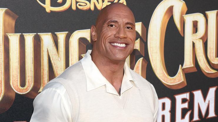 """Dwayne Johnson Is """"Brutal & Uncompromising"""" As """"Black Adam"""" In New First Look"""