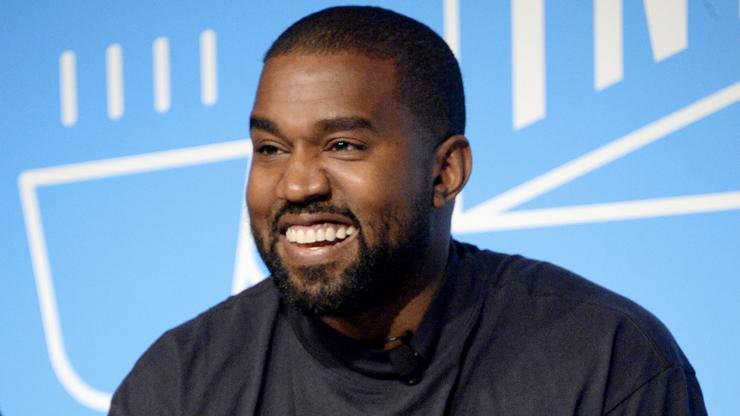 """Kanye West Performs """"Runaway"""" & """"Flashing Lights"""" At Luxurious Wedding In Italy"""