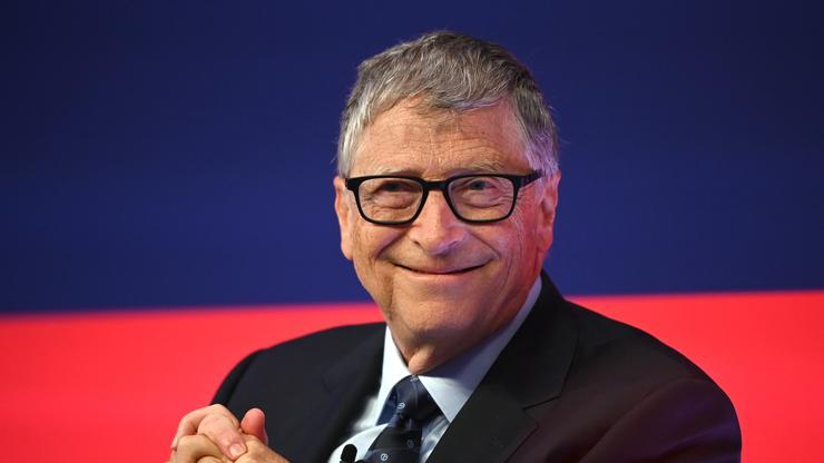 """Bill Gates Reportedly Sent """"Flirtatious"""" Emails To A Microsoft Staff Member In 2007"""